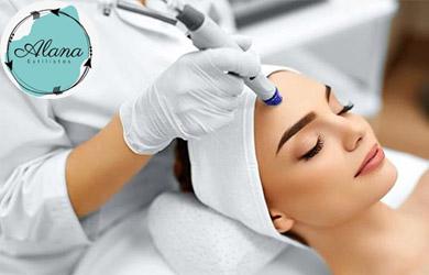 Tratamiento de rejuvenecimiento facial con microdermoabrasión con