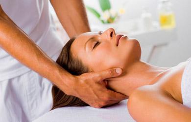 Masaje de cuerpo entero de 60min con tratamiento de osteopatía sa