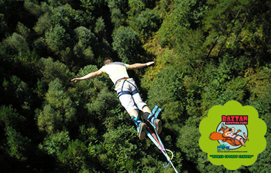 Salto de Megapendulo de 100 m de altura