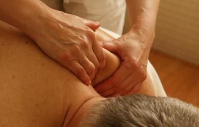 Masaje descontracturante de 50 min en espalda y cervicales