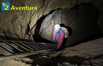Ruta de espeleología por la cueva de Udías