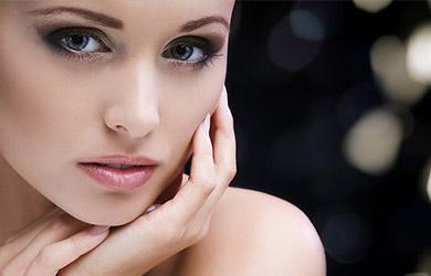 Tratamiento facial de golden caviar con varillas de cuarzo