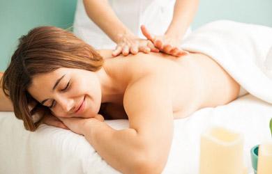Masaje relajante con aceites de lavanda de 30min