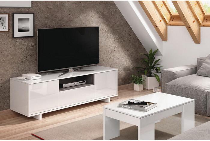Mueble televisión de 3 puertas y un hueco en la parte central