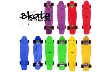Skateboard retro neón de diferentes colores