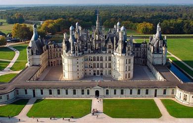 Circuito de 4 noches por los Castillos del Loira y Futuroscope