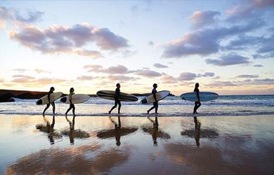 Estancia de 7 noches con desayuno y 5 clases de surf