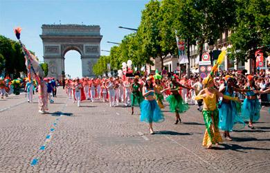 Viaje Paris en autobús en Carnaval